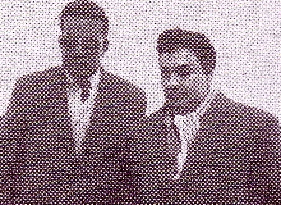M. Saravanan (lt) and MGR (with makeup) during 'Anbe Vaa' movie shooting