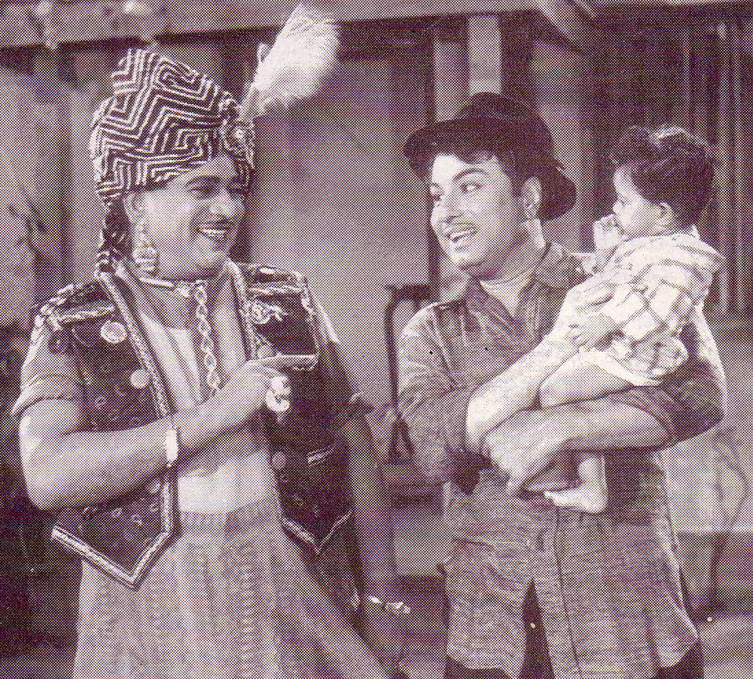 M.R. Radha (lt) and MGR in 'Petralthan Pillaiya' movie