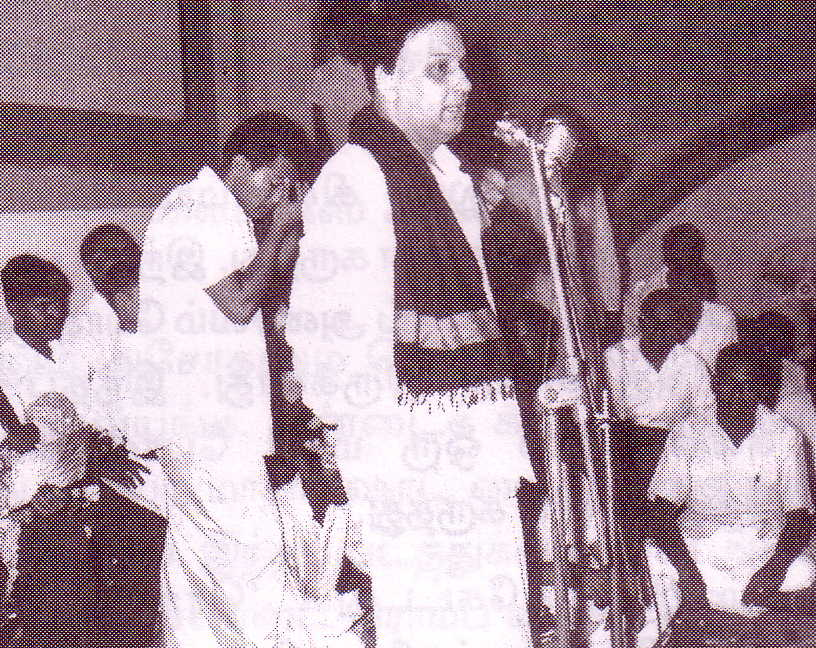 MGR (without makeup) speaking at 100th day function for 'Anbe Vaa' movie